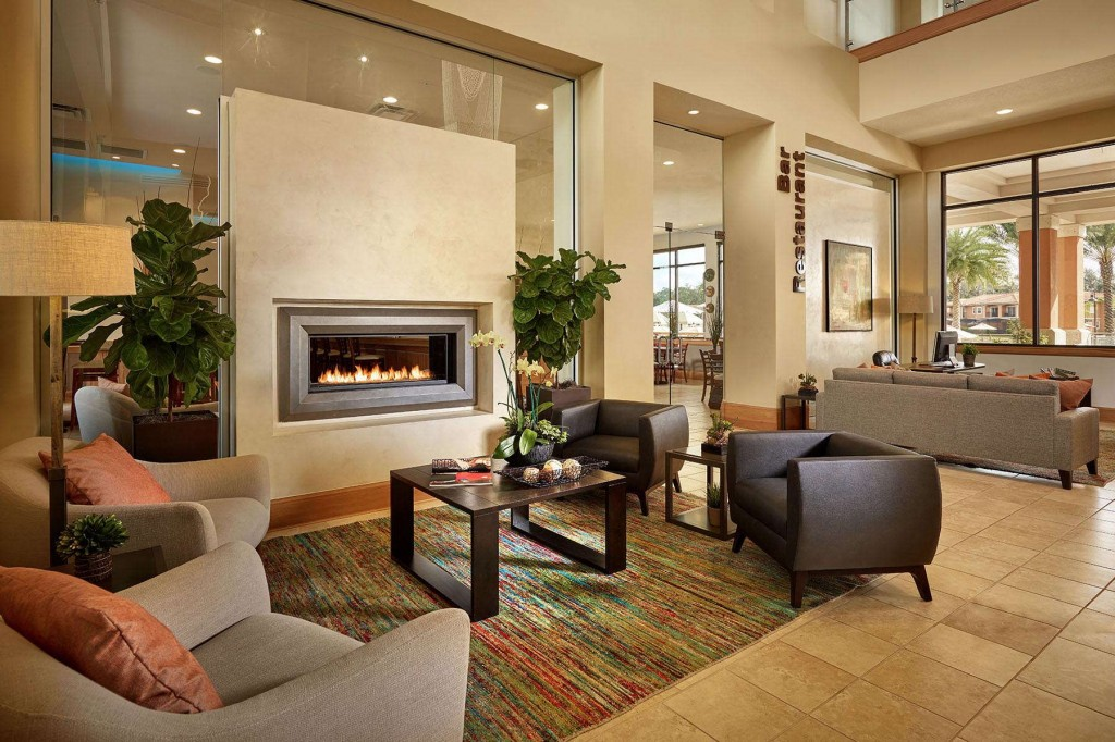 Modern and inviting lounge area in Regal Oaks