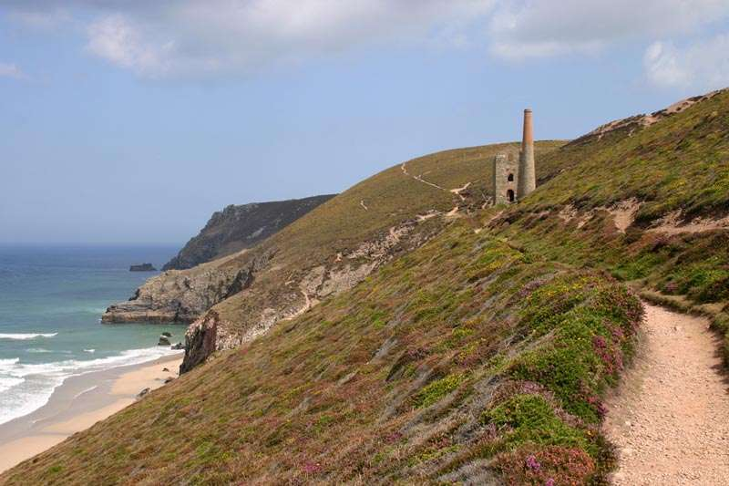 Walk along the Cornish coastal path