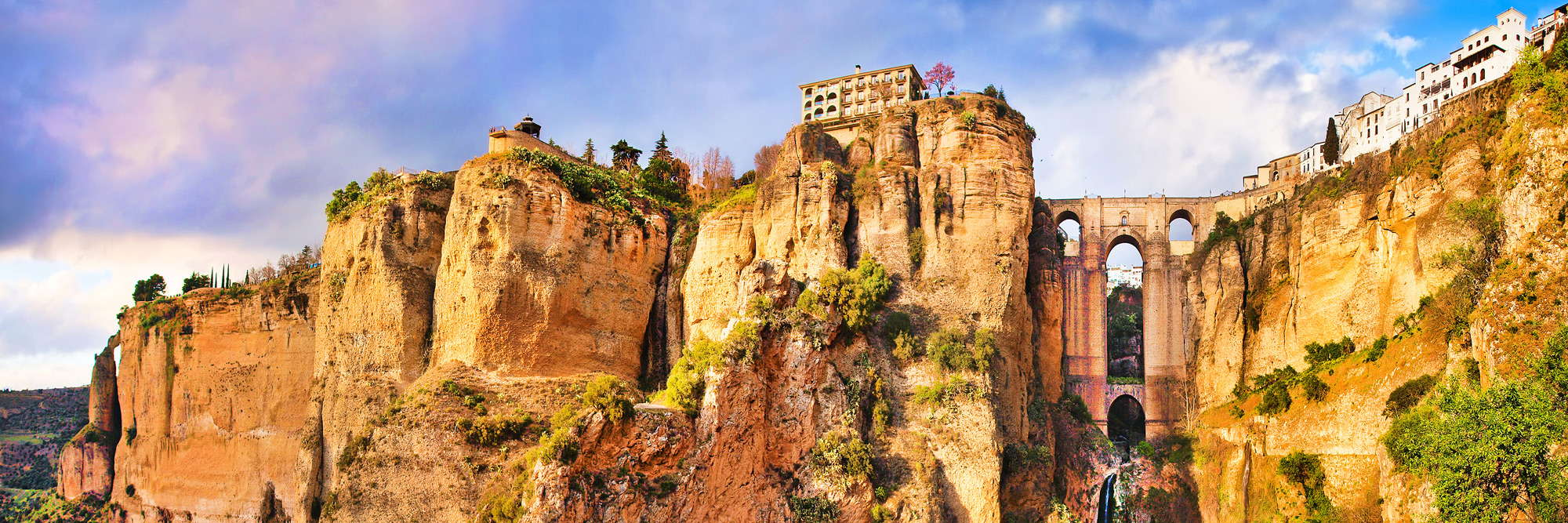 Amazing village perched atop the rocks. Ronda